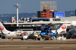 T.Sazenさんが、伊丹空港で撮影した兵庫県警察 EC155B1の航空フォト(飛行機 写真・画像)