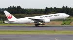 誘喜さんが、成田国際空港で撮影した日本航空 777-246/ERの航空フォト(写真)