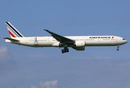 あしゅーさんが、成田国際空港で撮影したエールフランス航空 777-328/ERの航空フォト(写真)