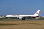 Gambardierさんが、伊丹空港で撮影した日本航空 767-346の航空フォト(写真)