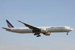 小牛田薫さんが、成田国際空港で撮影したエールフランス航空 777-328/ERの航空フォト(写真)