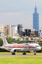 KIMISTONERさんが、台北松山空港で撮影したハネウェル 757-225の航空フォト(写真)