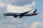 twining07さんが、ロンドン・ヒースロー空港で撮影したアメリカン航空 777-323/ERの航空フォト(写真)