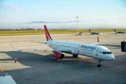m-takagiさんが、ウラジオストク空港で撮影したロイヤル・フライト 757-204の航空フォト(飛行機 写真・画像)