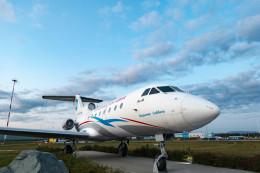 m-takagiさんが、ウラジオストク空港で撮影したウラジオストク航空 Yak-40の航空フォト(飛行機 写真・画像)