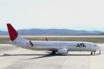 小牛田薫さんが、岡山空港で撮影したJALエクスプレス 737-846の航空フォト(写真)
