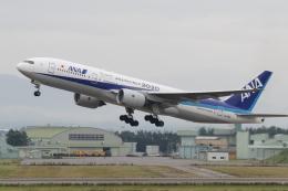 Koenig117さんが、小松空港で撮影した全日空 777-281/ERの航空フォト(写真)