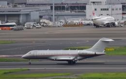 Take51さんが、羽田空港で撮影したビスタジェット BD-700-1A10 Global 6000の航空フォト(写真)