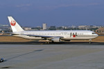 Gambardierさんが、名古屋飛行場で撮影した日本航空 767-346の航空フォト(写真)