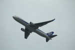 Fly Yokotayaさんが、香港国際空港で撮影した全日空 767-381/ERの航空フォト(写真)