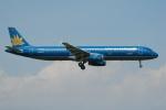よしポンさんが、成田国際空港で撮影したベトナム航空 A321-231の航空フォト(写真)