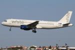 つみネコ♯2さんが、リスボン・ウンベルト・デルガード空港で撮影したホワイト・エアウェイズ A320-214の航空フォト(写真)