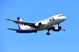 まいけるさんが、スワンナプーム国際空港で撮影したウラル航空 A320-214の航空フォト(写真)