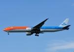 じーく。さんが、成田国際空港で撮影したKLMオランダ航空 777-306/ERの航空フォト(飛行機 写真・画像)