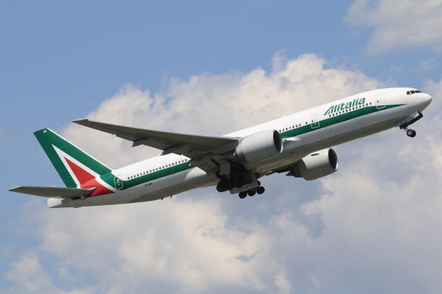航空フォト:EI-ISA アリタリア航空 777-200