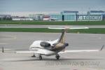 kanadeさんが、ワルシャワ・フレデリック・ショパン空港で撮影したNetJets Europe EMB-505 Phenom 300の航空フォト(写真)
