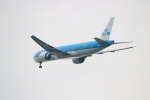 kix大好きカズチャマンさんが、関西国際空港で撮影したKLMオランダ航空 777-206/ERの航空フォト(写真)