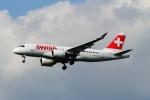 twining07さんが、ロンドン・ヒースロー空港で撮影したスイスインターナショナルエアラインズ BD-500-1A10 CSeries CS100の航空フォト(写真)