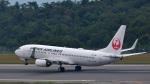オキシドールさんが、広島空港で撮影した日本航空 737-846の航空フォト(写真)