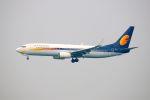 まいけるさんが、スワンナプーム国際空港で撮影したジェットエアウェイズ 737-8Q8の航空フォト(写真)