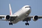 Billyさんが、福岡空港で撮影した日本航空 767-346/ERの航空フォト(写真)