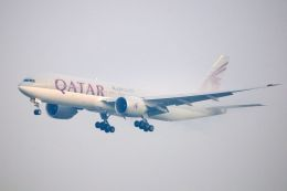 まいけるさんが、スワンナプーム国際空港で撮影したカタール航空 777-2DZ/LRの航空フォト(飛行機 写真・画像)