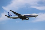 Billyさんが、福岡空港で撮影した全日空 767-381/ERの航空フォト(写真)
