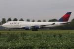 たみぃさんが、アムステルダム・スキポール国際空港で撮影したデルタ航空 747-451の航空フォト(写真)
