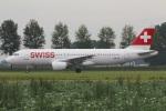 たみぃさんが、アムステルダム・スキポール国際空港で撮影したスイスインターナショナルエアラインズ A320-214の航空フォト(写真)