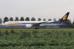 たみぃさんが、アムステルダム・スキポール国際空港で撮影したジェットエアウェイズ 777-35R/ERの航空フォト(写真)