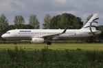 たみぃさんが、アムステルダム・スキポール国際空港で撮影したエーゲ航空 A320-232の航空フォト(写真)