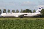 たみぃさんが、アムステルダム・スキポール国際空港で撮影したエル・アル航空 767-33A/ERの航空フォト(写真)