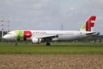 たみぃさんが、アムステルダム・スキポール国際空港で撮影したTAP ポルトガル航空 A320-214の航空フォト(写真)