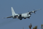 isiさんが、厚木飛行場で撮影した海上自衛隊 C-130Rの航空フォト(写真)
