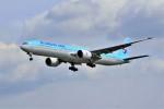 yoshibouさんが、成田国際空港で撮影した大韓航空 777-3B5/ERの航空フォト(写真)