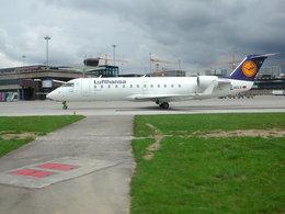 tame24さんが、チューリッヒ空港で撮影したルフトハンザ リージョナル CL-600-2B19 Regional Jet CRJ-100LRの航空フォト(飛行機 写真・画像)