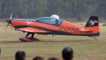 航空見聞録さんが、ベーフェルロ空軍基地で撮影した2 Excel Aviation EA-300Lの航空フォト(写真)