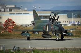ペア ドゥさんが、千歳基地で撮影した航空自衛隊 RF-4EJ Phantom IIの航空フォト(飛行機 写真・画像)