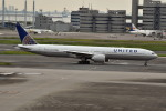 シュウさんが、羽田空港で撮影したユナイテッド航空 777-322/ERの航空フォト(写真)