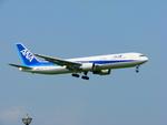 SGR RTさんが、成田国際空港で撮影した全日空 767-381/ERの航空フォト(写真)