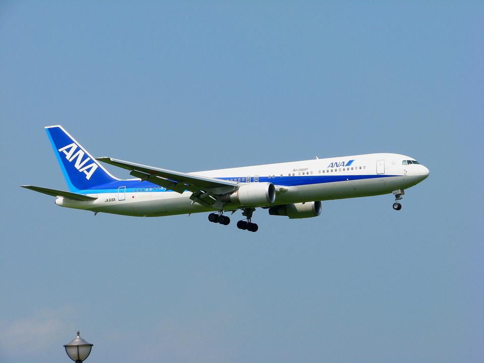 SGR RTさんの全日空 Boeing 767-300 (JA616A) 航空フォト