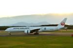 Cygnus00さんが、新千歳空港で撮影した日本航空 777-346/ERの航空フォト(写真)