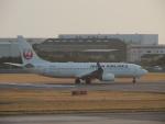 さゆりんごさんが、松山空港で撮影した日本航空 737-846の航空フォト(写真)