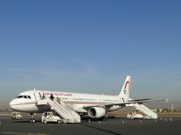 よこちゃんさんが、マラケシュ・メナラ空港で撮影したロイヤル・エア・モロッコ A321-211の航空フォト(飛行機 写真・画像)