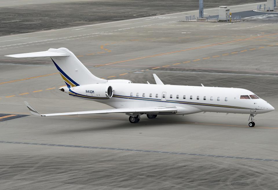 tsubasa0624さんのプライベートエア Bombardier BD-700 Global Express/5000/6000 (N410M) 航空フォト