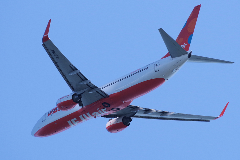 yabyanさんのチェジュ航空 Boeing 737-800 (HL8061) 航空フォト