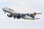 車掌さんが、関西国際空港で撮影したルフトハンザドイツ航空 747-430の航空フォト(写真)