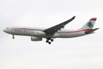 たみぃさんが、ロンドン・ヒースロー空港で撮影したミドル・イースト航空 A330-243の航空フォト(写真)