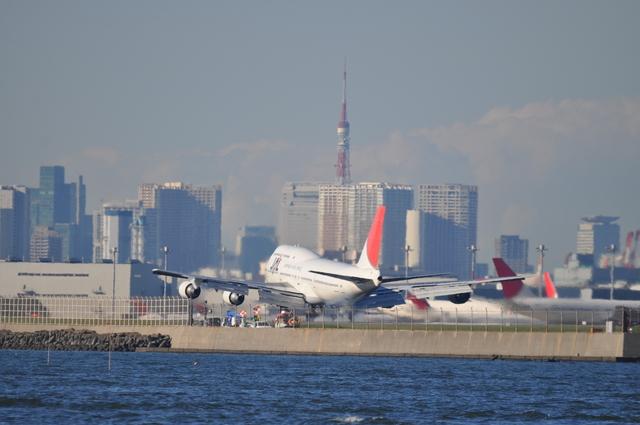 あっしーさんが、羽田空港で撮影した日本航空 747-446Dの航空フォト(飛行機 写真・画像)