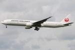たみぃさんが、ロンドン・ヒースロー空港で撮影した日本航空 777-346/ERの航空フォト(写真)